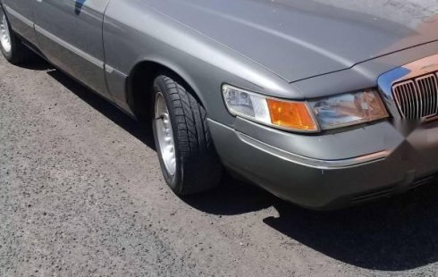 Quiero vender cuanto antes posible un Ford Grand Marquis 1998