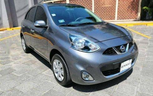 Un carro Nissan March 2017 en Venustiano Carranza