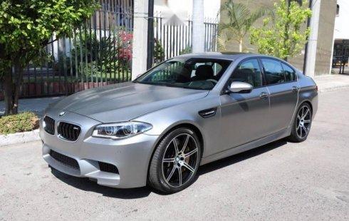 Vendo un carro BMW M 2015 excelente, llámama para verlo