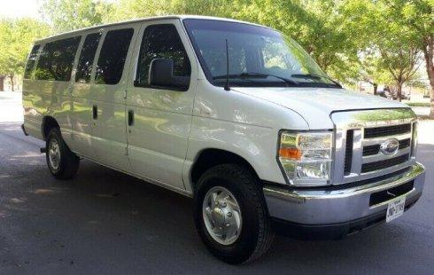 Quiero vender inmediatamente mi auto Ford Econoline 2010 muy bien cuidado