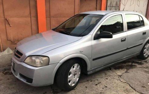 Carro Chevrolet Astra 2006 de único propietario en buen estado