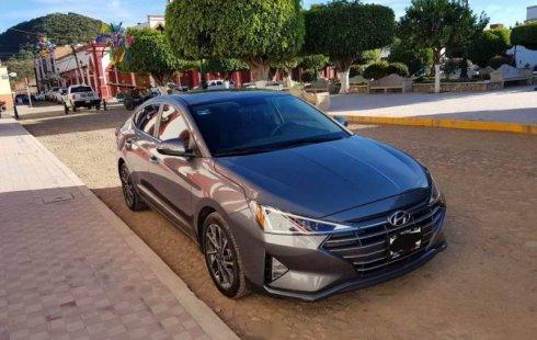 Quiero vender inmediatamente mi auto Hyundai Elantra 2019