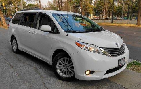Se vende urgemente Toyota Sienna 2012 Automático en Coyoacán