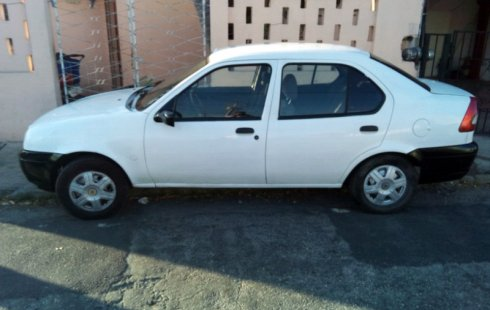 Ford Ikon 2003 impecable