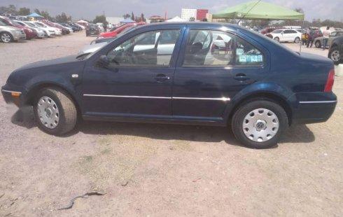 Me veo obligado vender mi carro Volkswagen Jetta 2005 por cuestiones económicas