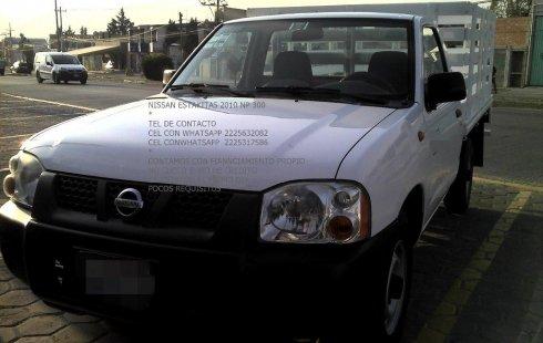 Pongo a la venta un Nissan Estacas en excelente condicción
