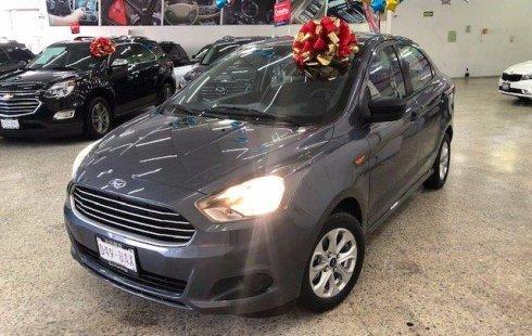 Quiero vender urgentemente mi auto Ford Figo Sedán 2017 muy bien estado