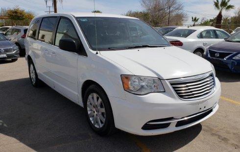 Chrysler Town & Country precio muy asequible