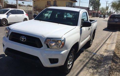 Pongo a la venta cuanto antes posible un Toyota Tacoma en excelente condicción