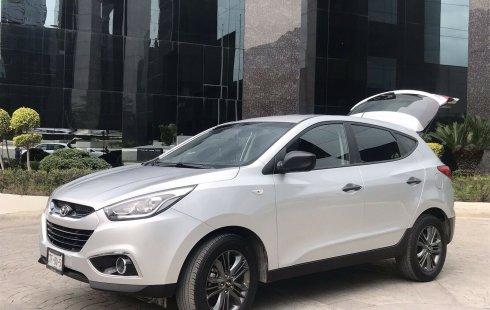 Quiero vender inmediatamente mi auto Hyundai Tucson 2015 muy bien cuidado