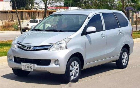 Quiero vender urgentemente mi auto Toyota Avanza 2015 muy bien estado
