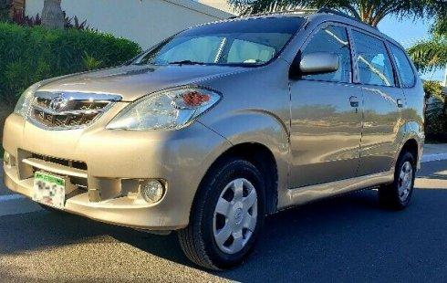 Quiero vender urgentemente mi auto Toyota Avanza 2010 muy bien estado