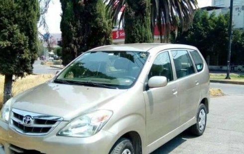 Me veo obligado vender mi carro Toyota Avanza 2010 por cuestiones económicas