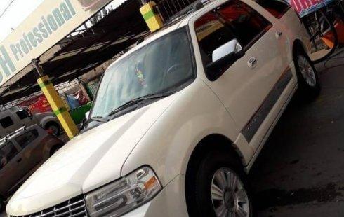 Me veo obligado vender mi carro Lincoln Navigator 2009 por cuestiones económicas