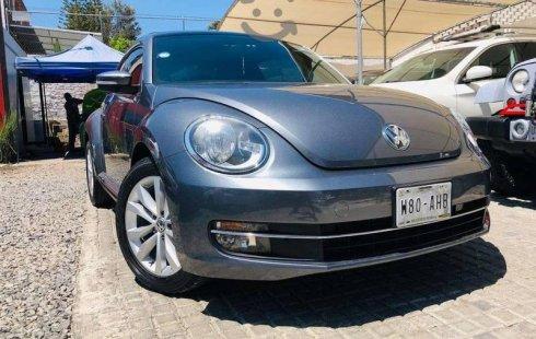 Me veo obligado vender mi carro Volkswagen Beetle 2014 por cuestiones económicas