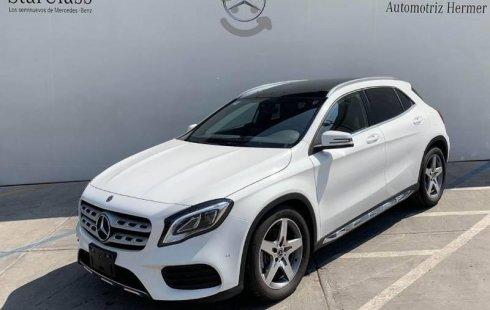 Vendo un Mercedes-Benz Clase GLA en exelente estado