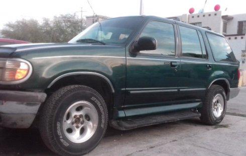 Un Ford Explorer 1995 impecable te está esperando