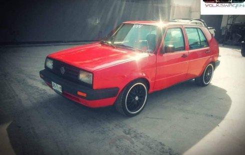 Un Volkswagen Golf 1987 impecable te está esperando