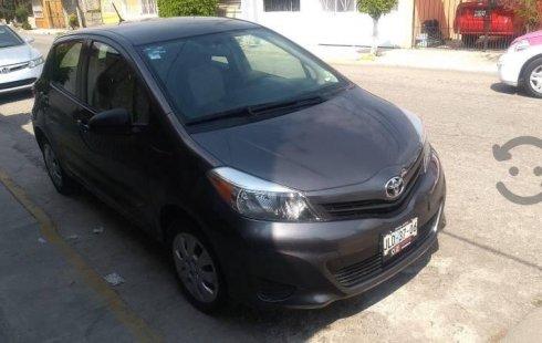 Vendo un carro Toyota Yaris 2014 excelente, llámama para verlo