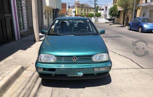Se vende un Volkswagen Golf de segunda mano
