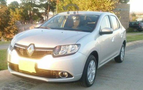 Carro Renault Logan 2018 de único propietario en buen estado