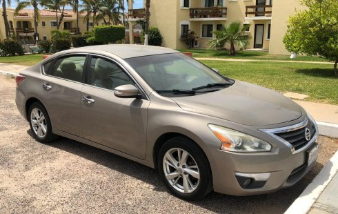 Nissan Altima Advance 2013