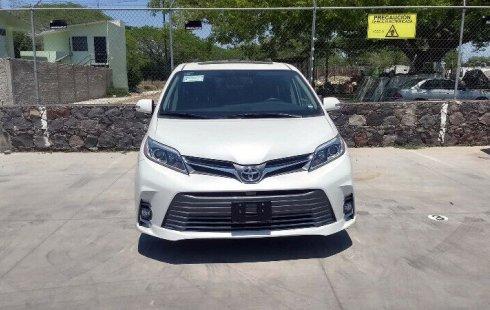 Toyota Sienna LTD 2019 (DEMO)