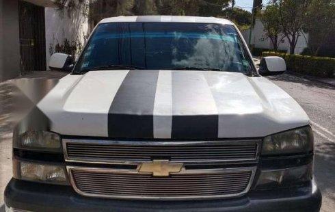 Quiero vender inmediatamente mi auto Chevrolet 1500 2006 muy bien cuidado