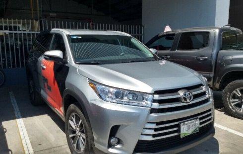 Toyota Highlander 2019 XLE Colima