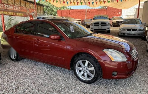 Nissan Maxima 2004 impecable