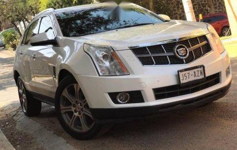 Carro Cadillac SRX 2012 de único propietario en buen estado