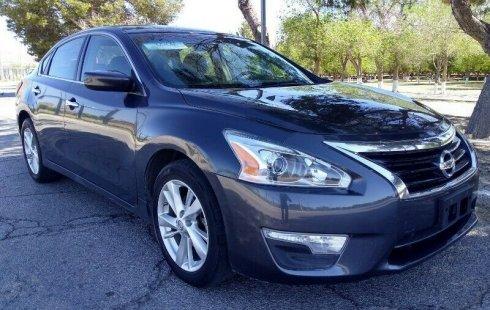 Vendo un carro Nissan Altima 2013 excelente, llámama para verlo