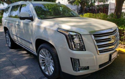 Urge!! En venta carro Cadillac Escalade 2015 de único propietario en excelente estado