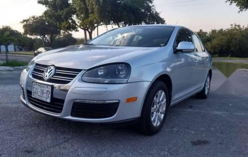 Se vende urgemente Volkswagen Bora 2010 Automático en Guadalupe
