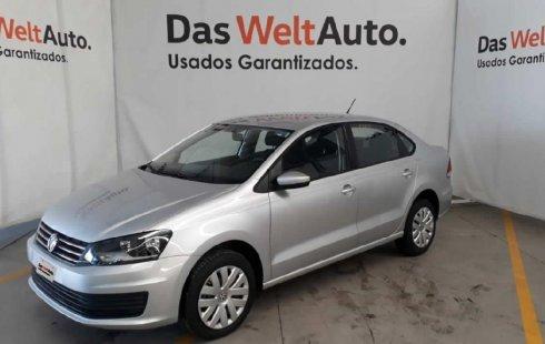Pongo a la venta cuanto antes posible un Volkswagen Vento que tiene todos los documentos necesarios