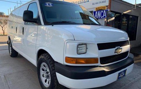 Se vende urgemente Chevrolet Express 2011 Automático en Cajeme