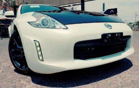 Quiero vender un Nissan 370Z en buena condicción