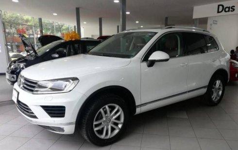 En venta un Volkswagen Touareg 2018 Automático muy bien cuidado
