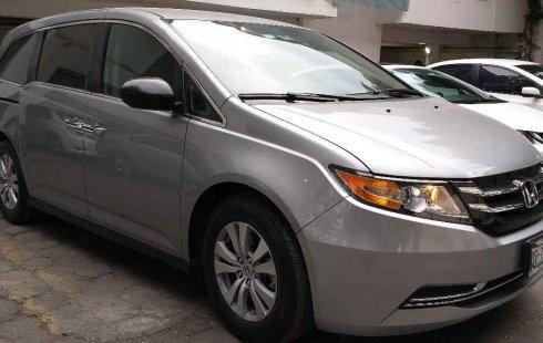 Quiero vender urgentemente mi auto Honda Odyssey 2016 muy bien estado