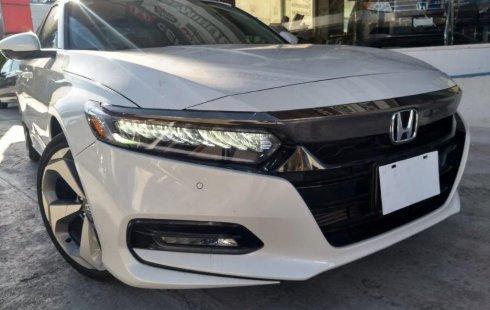 Un Honda Accord 2018 impecable te está esperando