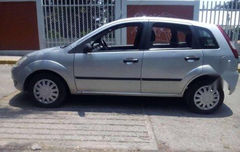 Tengo que vender mi querido Ford Fiesta 2002 en muy buena condición
