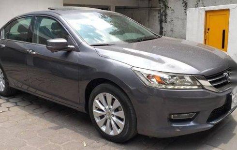 Un Honda Accord 2013 impecable te está esperando