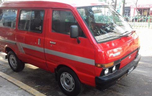 Nissan Ichi van Camioneta Roja 1987 (Placas de carro antiguo)
