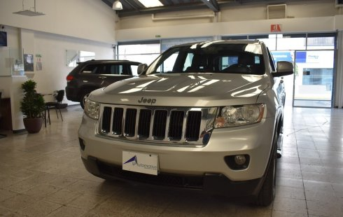Un Jeep Grand Cherokee 2011 impecable te está esperando