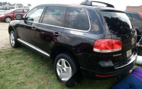 En venta un Volkswagen Touareg 2005 Automático muy bien cuidado