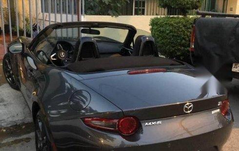 Quiero vender inmediatamente mi auto Mazda MX-5 2018 muy bien cuidado