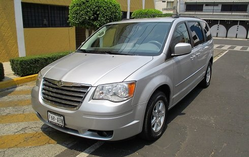 Town & Country Touring 2010