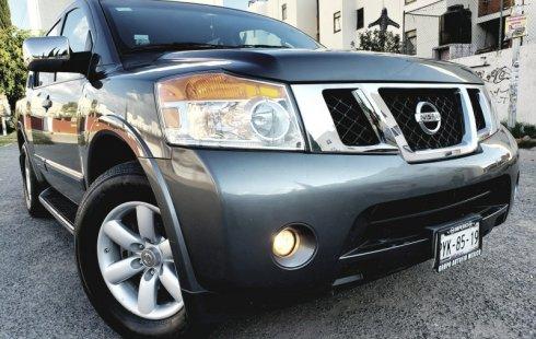 Carro Nissan Armada 2013 de único propietario en buen estado