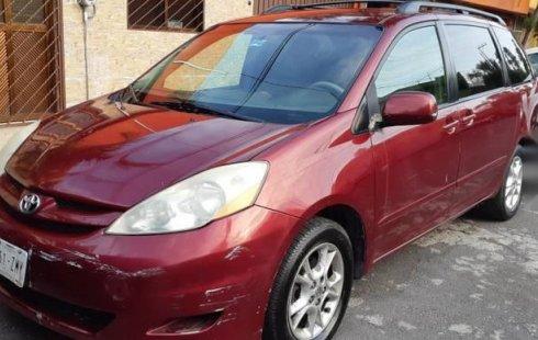 Quiero vender urgentemente mi auto Toyota Sienna 2006 muy bien estado