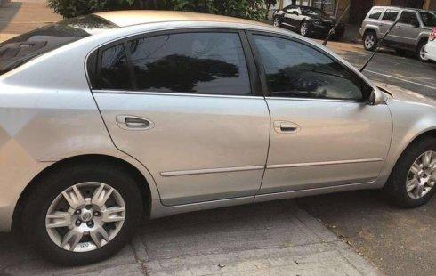 Precio de Nissan Altima 2005